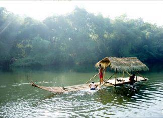 Perahu Bambu di Konservasi Ikan Tawar Badher Bang