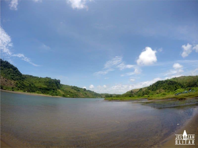 Muara Sungai di Pantai Pasur