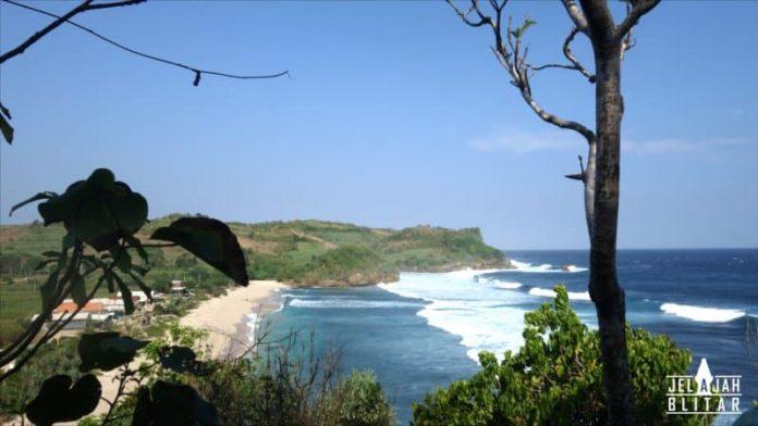 Pantai Pasetran Gondomayit