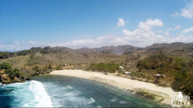 Pantai Pasir Putih Sumbersih