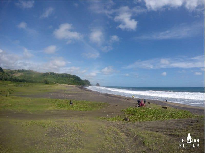 Pantai Pasur di Blitar