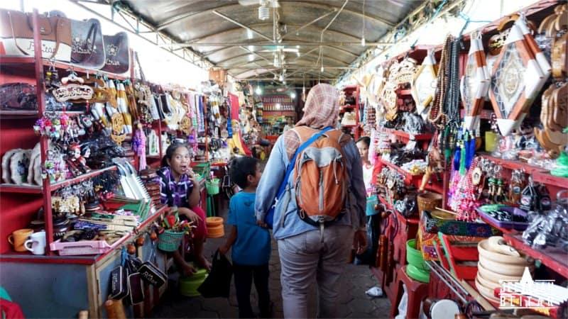 Pasar Makam Bung Karno