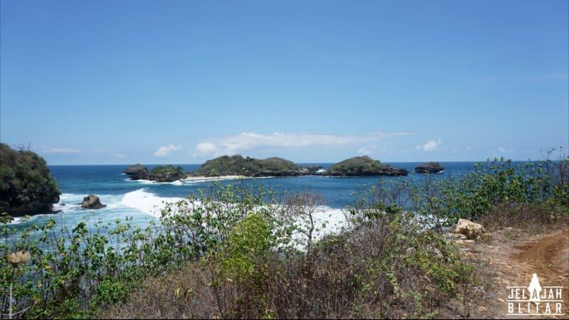 Pulau di Pantai Peh Pulo