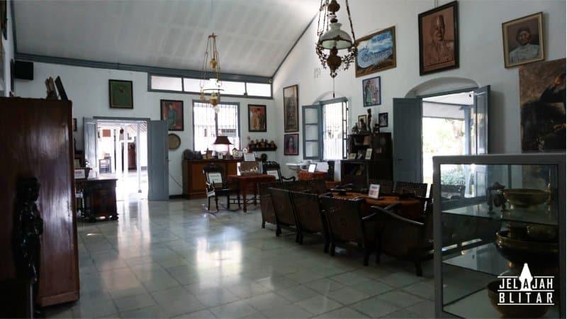 Ruang Tengah Istana Gebang