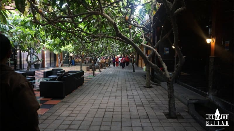 Suasana Wisata Kampung Coklat di Blitar