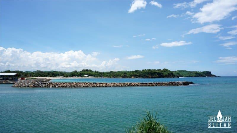 Dermaga di Pantai Tambakrejo Blitar