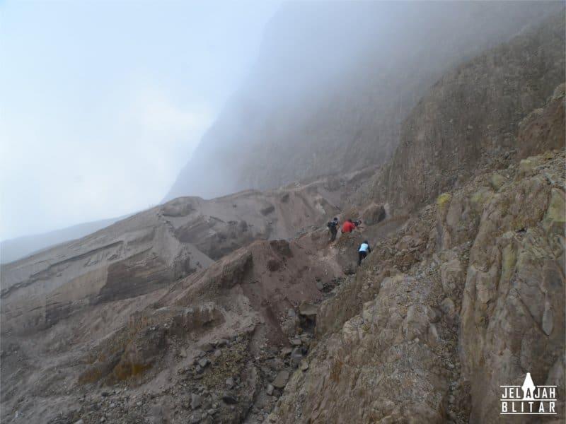 Perjalanan ke Kawah Gunung Kelud