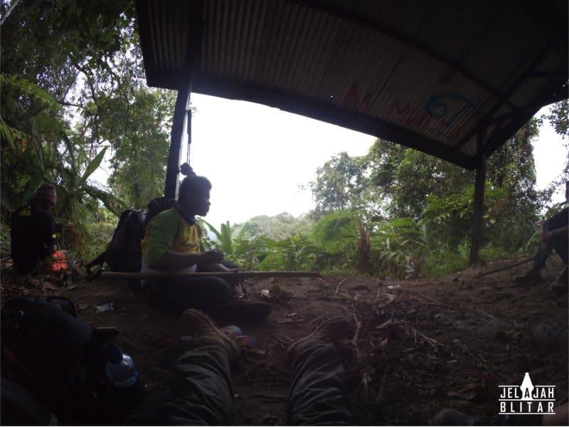 Pos 1 Pendakian Gunung Kelud