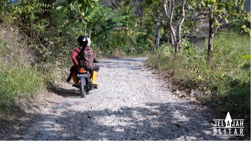 kondisi jalan ke pantai pangi
