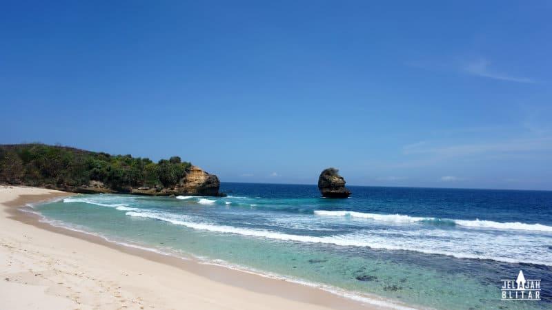Pantai Pudak Blitar