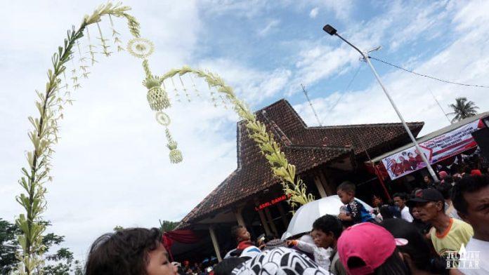 Siraman Gong Kyai Pradah