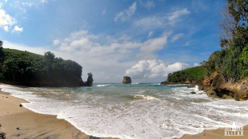 Pantai Dung Dowo Blitar