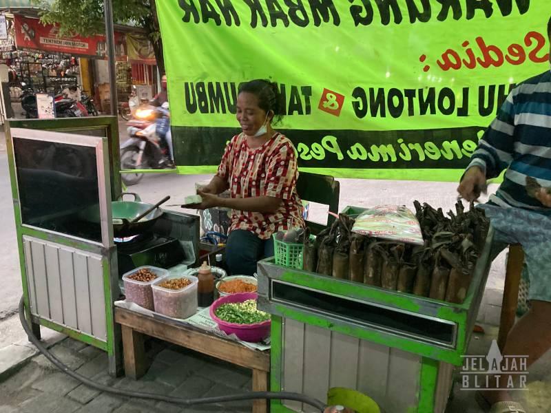 Penjual Tahu Lontong Lodoyo